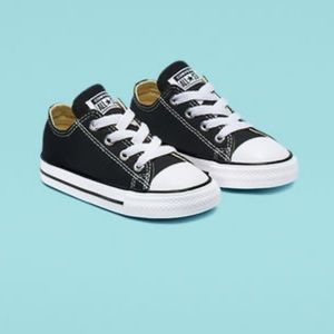 Chuck Taylor Converse All Star Low Top Black 7C